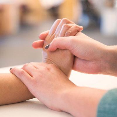 Reabilitaciya-verhninh-konechnostej-kategoriya